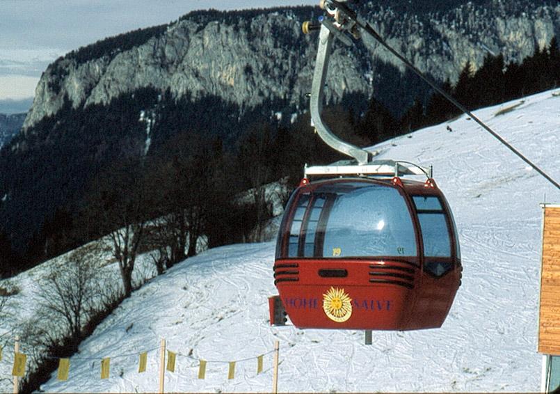 Skiwelt Wilder Kaiser:Die neue Gondel von Söll hinauf zur Hohen Salve.