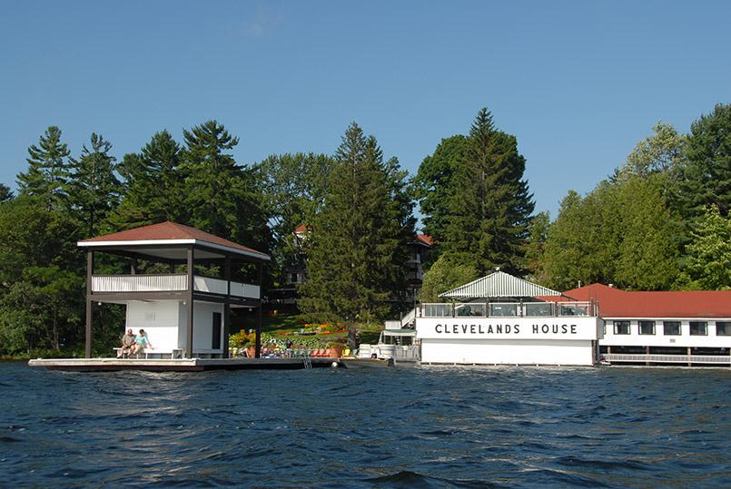 Muskoka/Minett: Red Leaves Resort, Lake Rosseau, Teilbereich Clevelands House