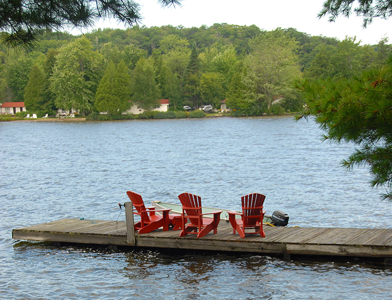 Muskoka Chairs am Lake Rosseau