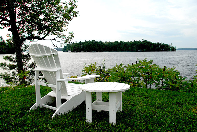 Muskoka Chair am Lake Rosseau
