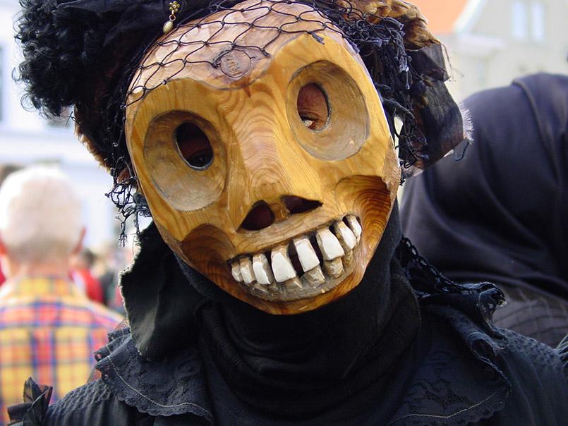 Das Dunkelfolket fra Fosdalen beim Karneval in Aalborg