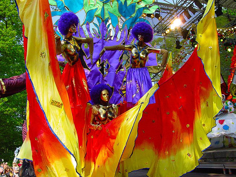 Die London-jamaikanische Gruppe Yaa Asanatewaa beim Karneval von Aalborg