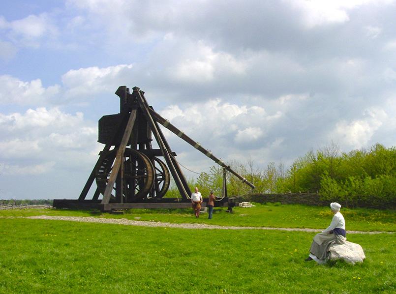 Lolland: Wurfmaschine des Mittelalterzentrums Sundby