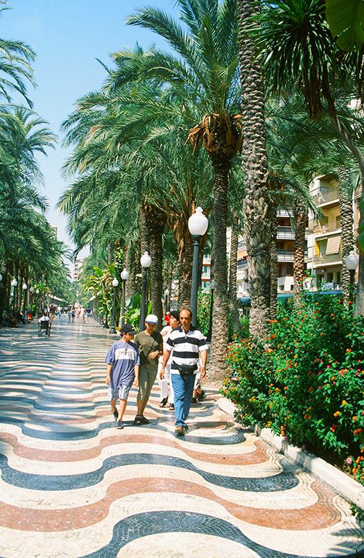 Costa Blanca (Süd)/Alicante: Explanada de España