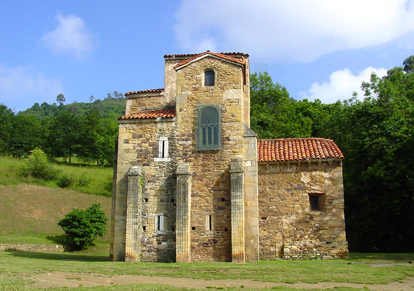 Oviedo: San Miguel de Lillo, eine präromanische Kirche aus dem 9. Jh. (Weltkulturer