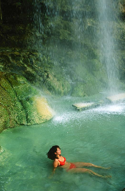 Hammamat Ma'in: Baden im Wasserfall