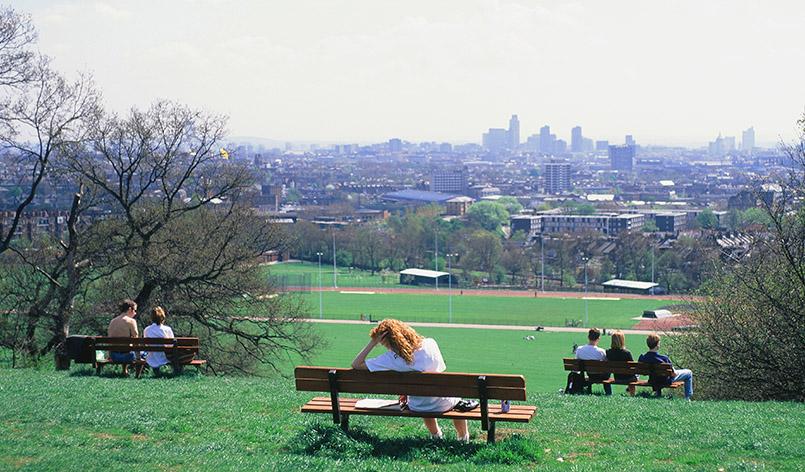 Blick von Parliament Hill der Hampstead Heath auf die Londoner Innenstadt