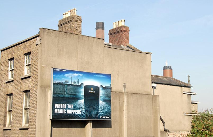 Dublin: Guinness-Reklame am St. James's Place, dem ursprünglichen Produktionsgelände des Stout
