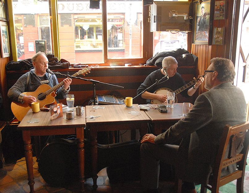 "Dublin: Temple Bar, ""Oliver St. John Gogorty"", Live-Musik"