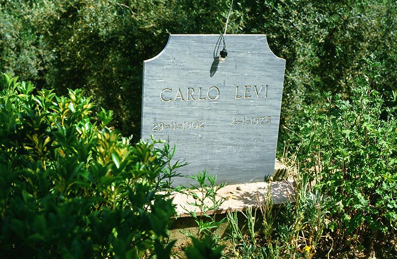 Das Grab von Carlo Levi in Aliano in der Basilikata