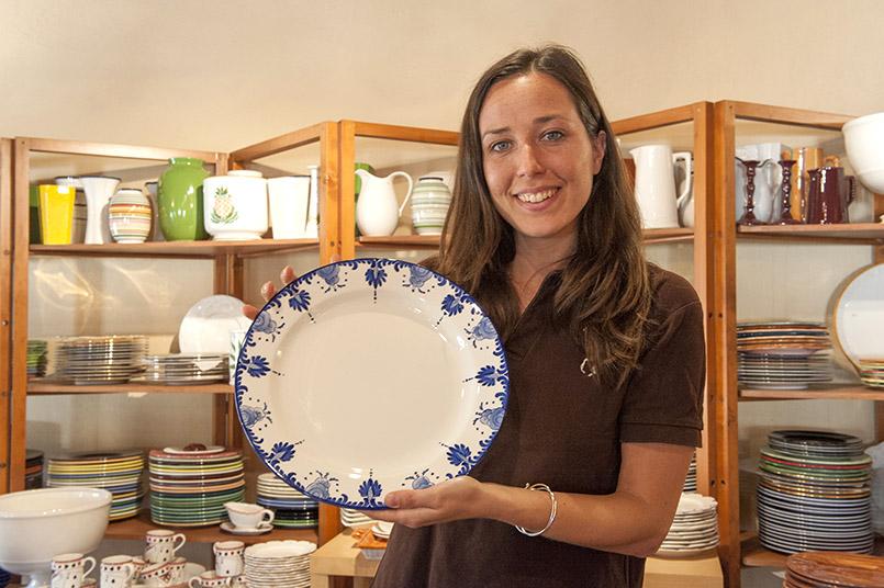 Ein Traditionsdekor in Blau und Weiß von Este Ceramiche Porcellane