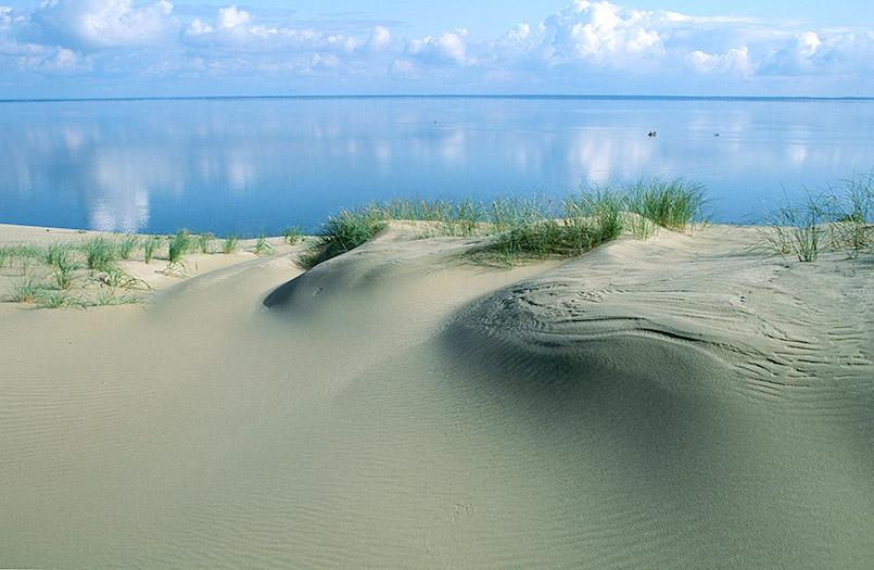Blick von der Großen Düne, der Kurischen Nehrung auf das Haff.
