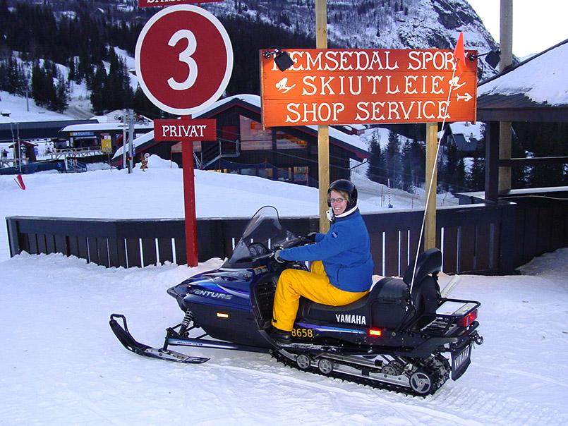 Hemsedal: Start zur Snowscooter-Tour.