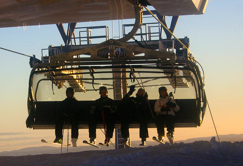 Der kuppelbare Achter-Sessellift - eine Premiere für Norwegen