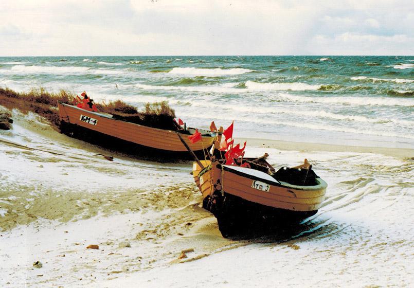 Fischerboote am Ostseestrand von Elblag