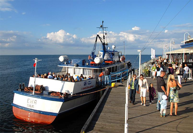 Ausflugsschiffe an der Mole von Sopot