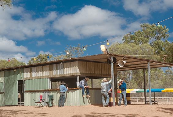 Eureka Creek Rodeo: Busch-Bar