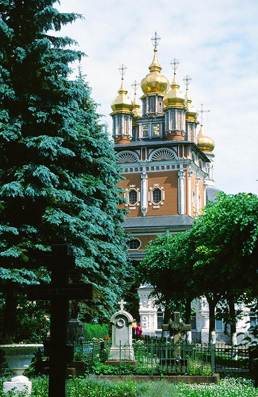 Sagorsk: Nadvratnaya-Kirche
