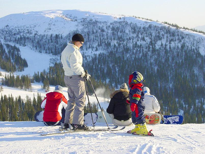 Åre/Skigebiet Åreskutan: auf der Piste oberhalb des Hotels Fjällgaarden.