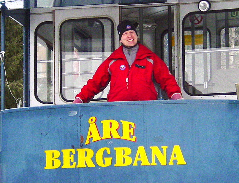it der Are-Bergbahn begann 1910 der Wintersport in Are. Die Bahn befördert heute noch maximal 60 Wintersportler vom Ortszentrum zum Hotel Fjällgaarden.