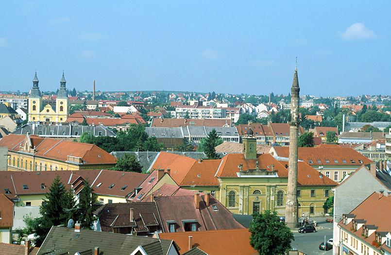 Blick von der Burg auf Eger mit Minarett