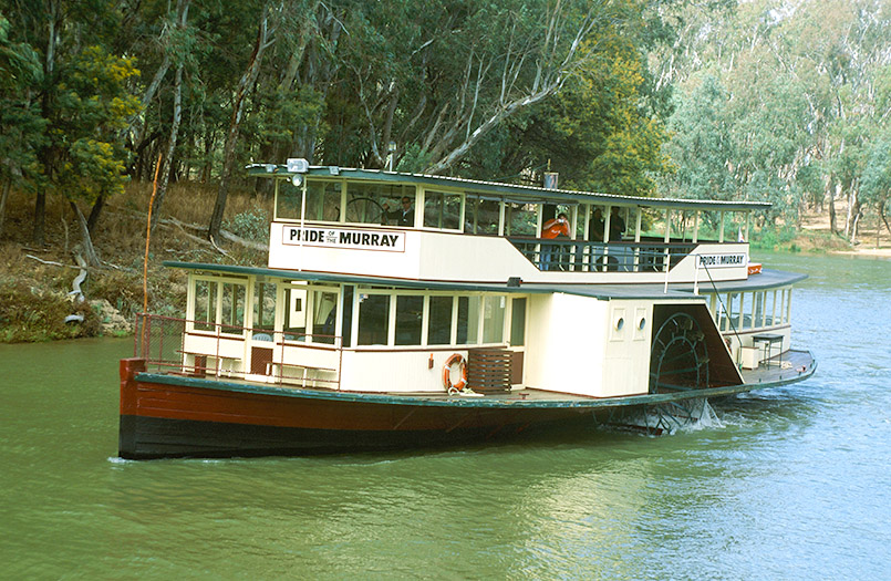 "Der Raddampfer ""Pride of the Murray"" hat Echuca als Heimathafen."