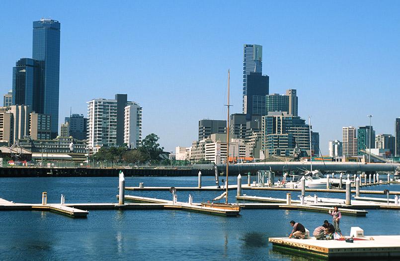 /Melbourne: Docklands, Blick zum CBD