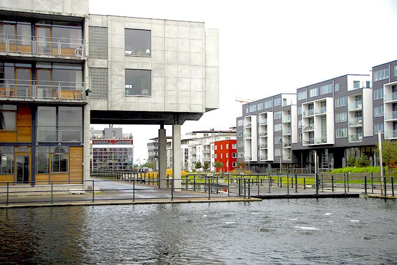 Malmö; das revitalisierte Hafen- und Werftgebiet von Västrahamn